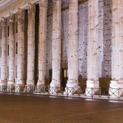 Piazza di Pietra