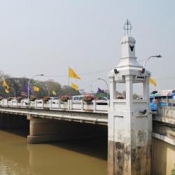 Naowarat Köprüsü