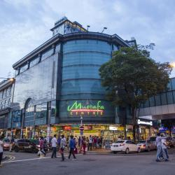 Shopping Mustafa Centre, Singapura
