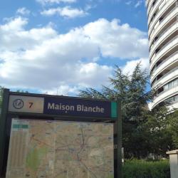 Maison Blanche Metro Station