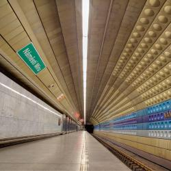 Náměstí Míru Metro Station