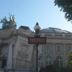 Stazione Metro Champs Elysées - Clémenceau