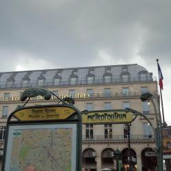 Estación de metro Palais Royal - Musée du Louvre