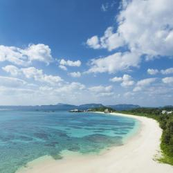 Okinawa 10 golf hotels