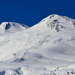 Elbrus Ski 3 hotels with a jacuzzi