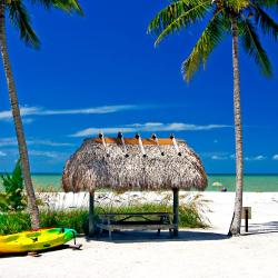 Sanibel Island  55 three-star hotels