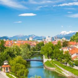 Osrednjeslovenska 32 hostels