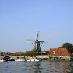 Friesland 8 hostels