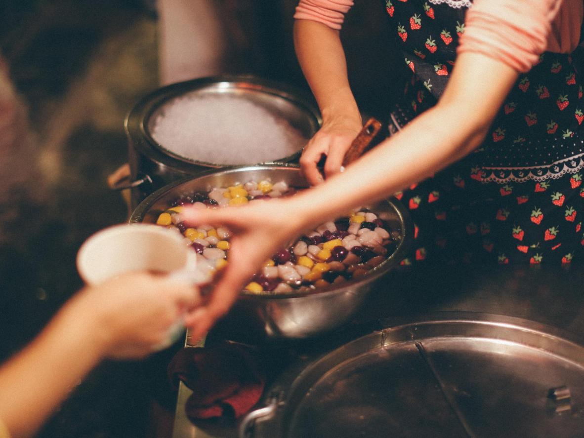 九份では様々な文化の影響を屋台食から感じることができます。