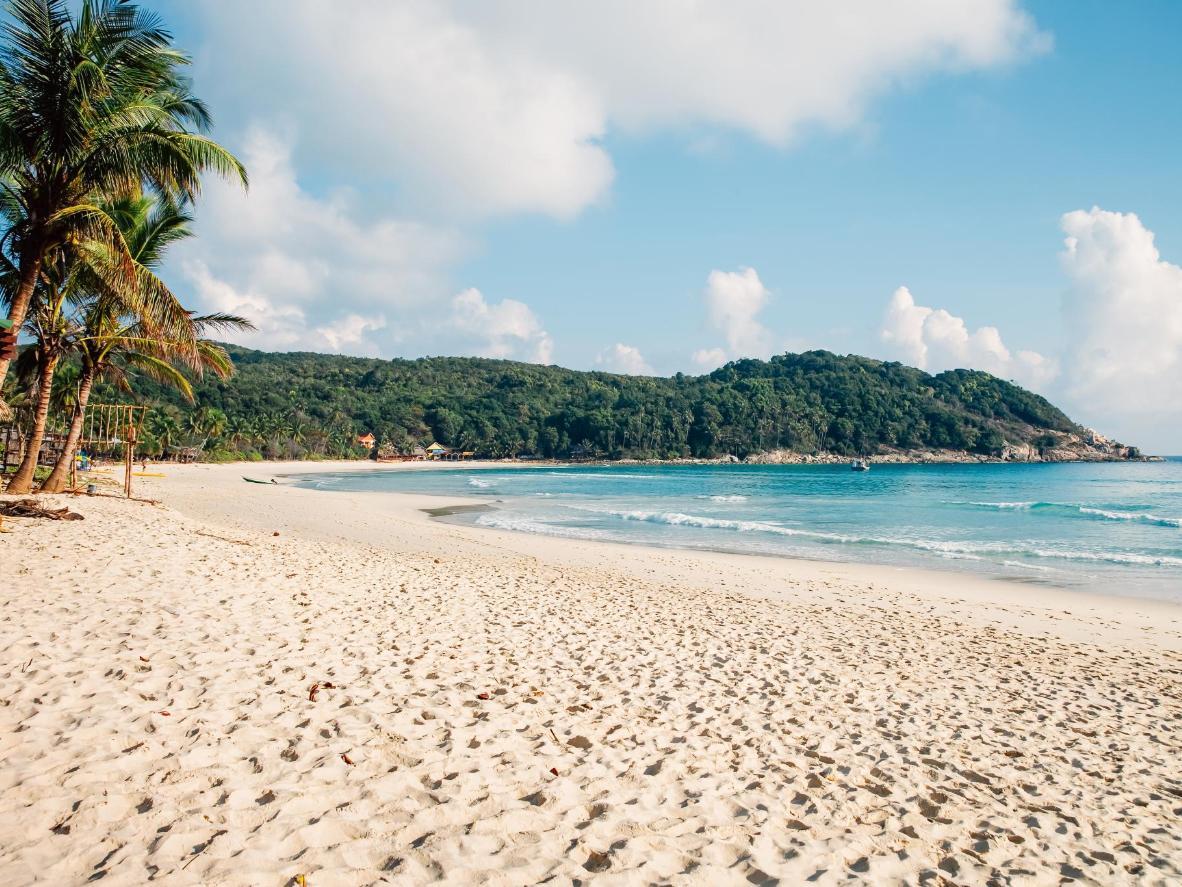 Faça um piquenique de café da manhã na praia de Batu Ferringhi