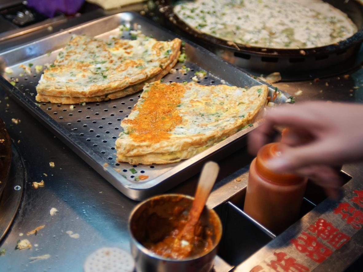 Golden, sizzling spring onion pancakes in Tainan City