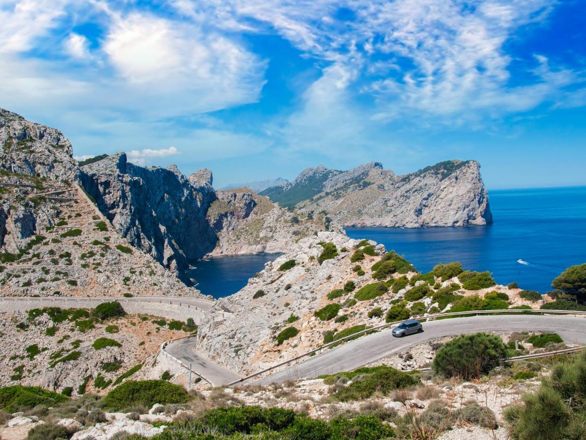 La route menant au cap de Formentor mérite le détour au petit matin