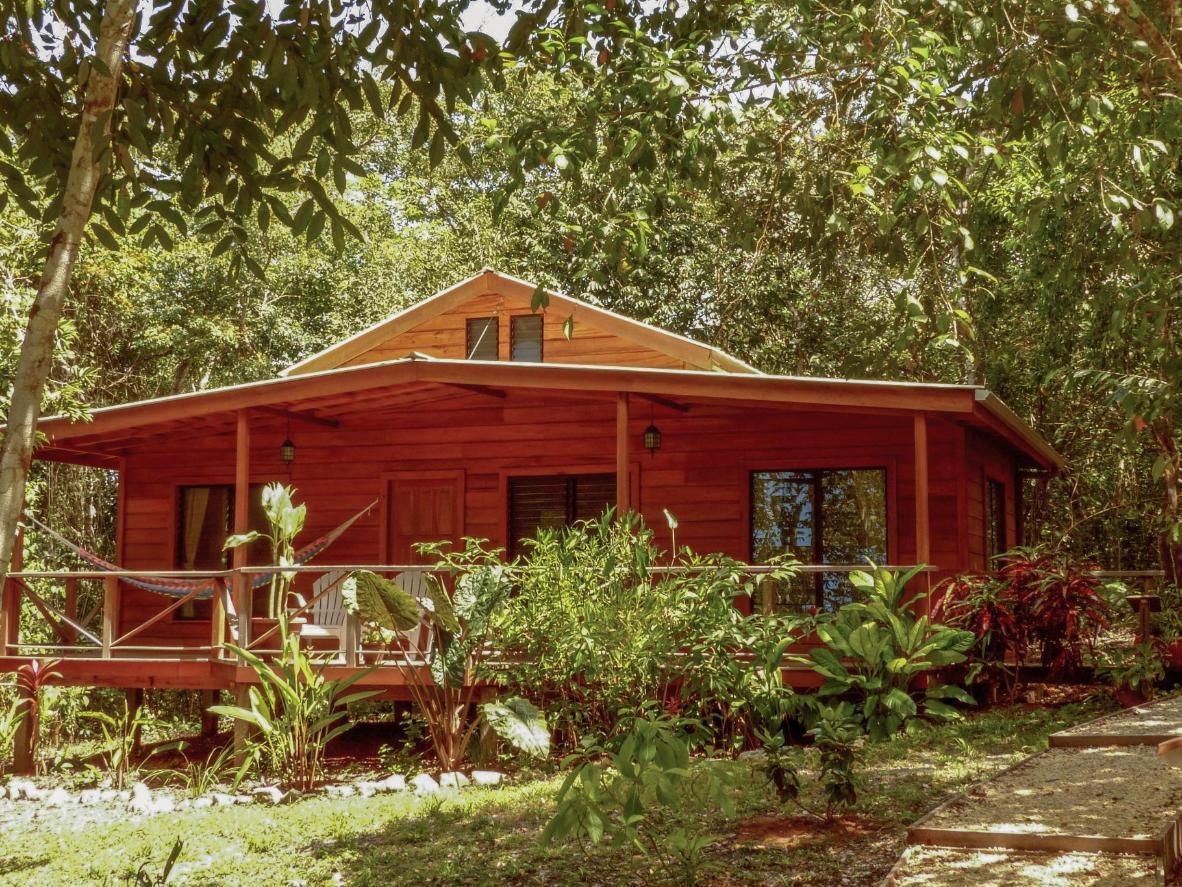 Vanilla Hills Lodge in Cayo