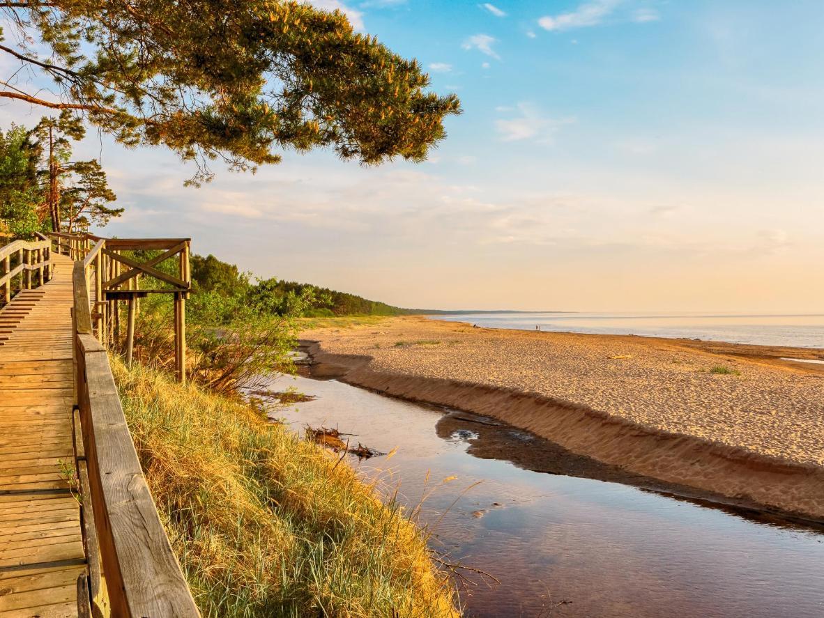 Päikeseloojang Saulkrasti rannas