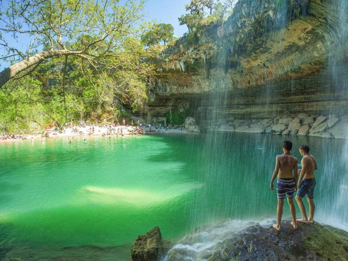Jedinstveni slapovi na jezeru Hamilton Poolu u Teksasu