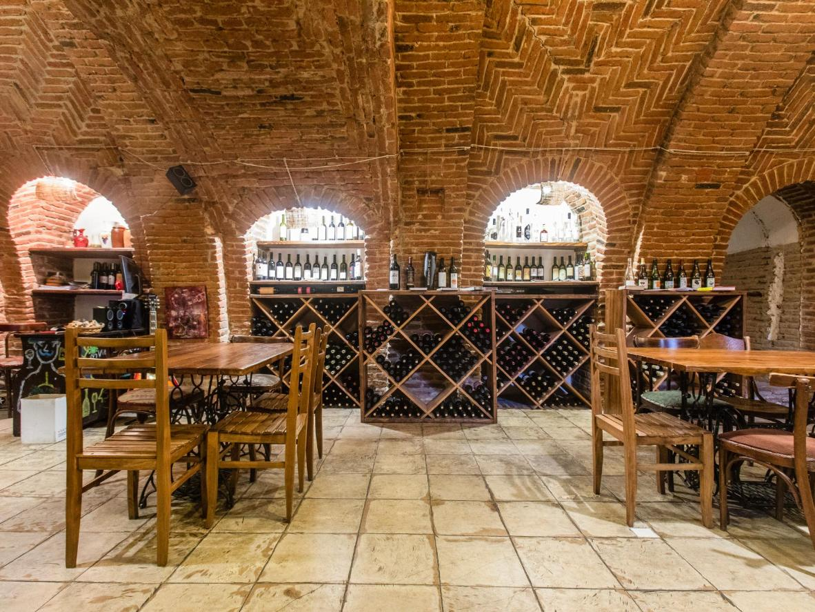 Vino Underground to pierwszy bar z winem naturalnym w Tbilisi