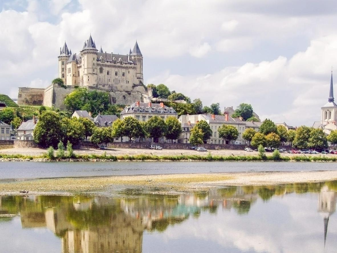Le château de Saumur surplombe la ville de toute sa hauteur
