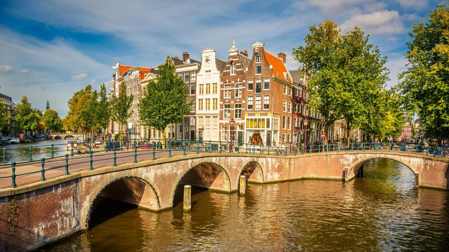 Fall is the perfect time for taking a stroll along the canals