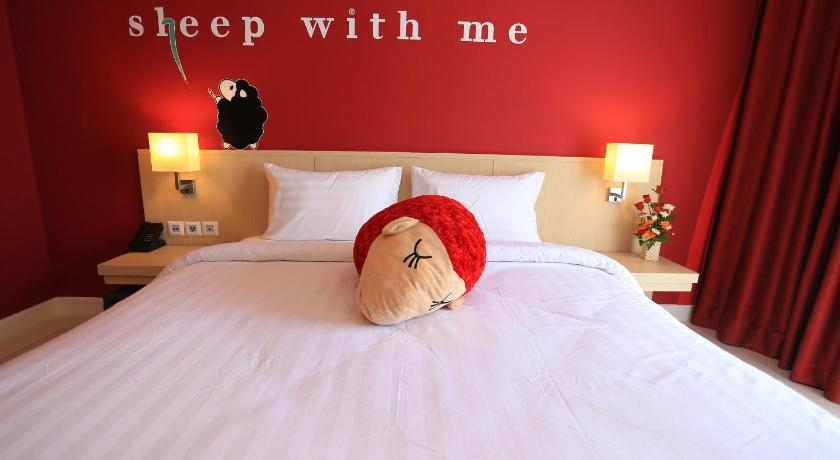 SLEEP WITH ME HOTEL design hotel @ patong(芭东伴我入眠设计酒店)