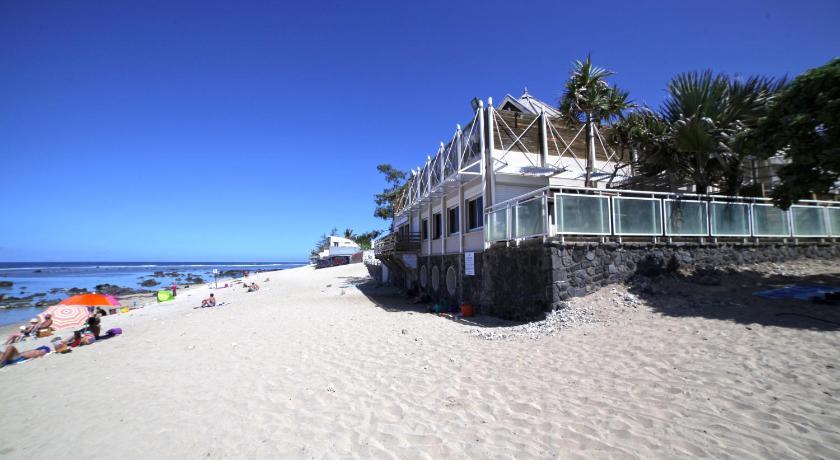 Vue de la plage de l'hotel