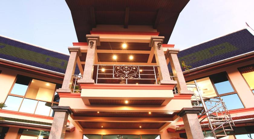 Kata Sea View Villas(卡塔海景别墅酒)