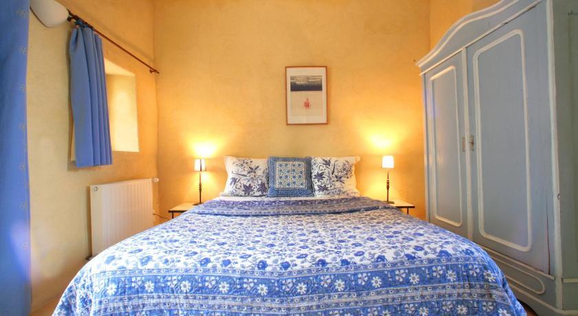 哥伦比尔城堡酒店 (法国 圣罗兰杜维) - booking.com