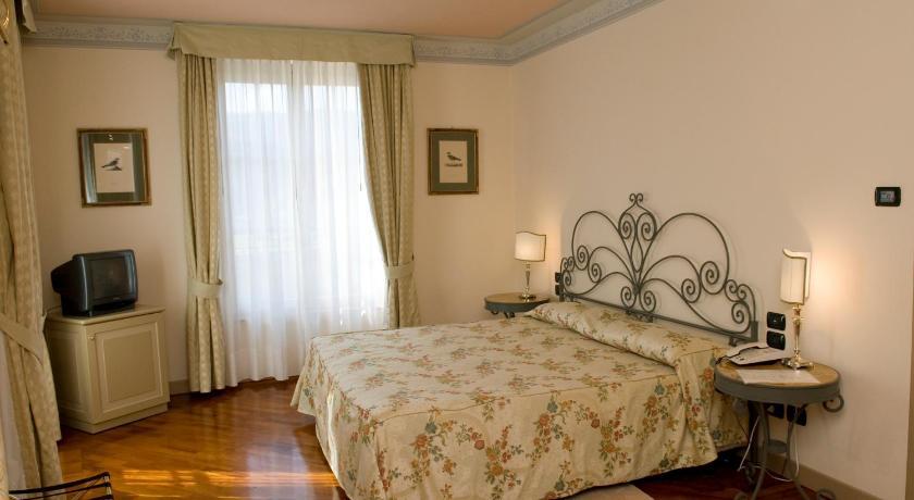 黎莱斯米拉贝拉伊塞奥罗曼蒂克酒店