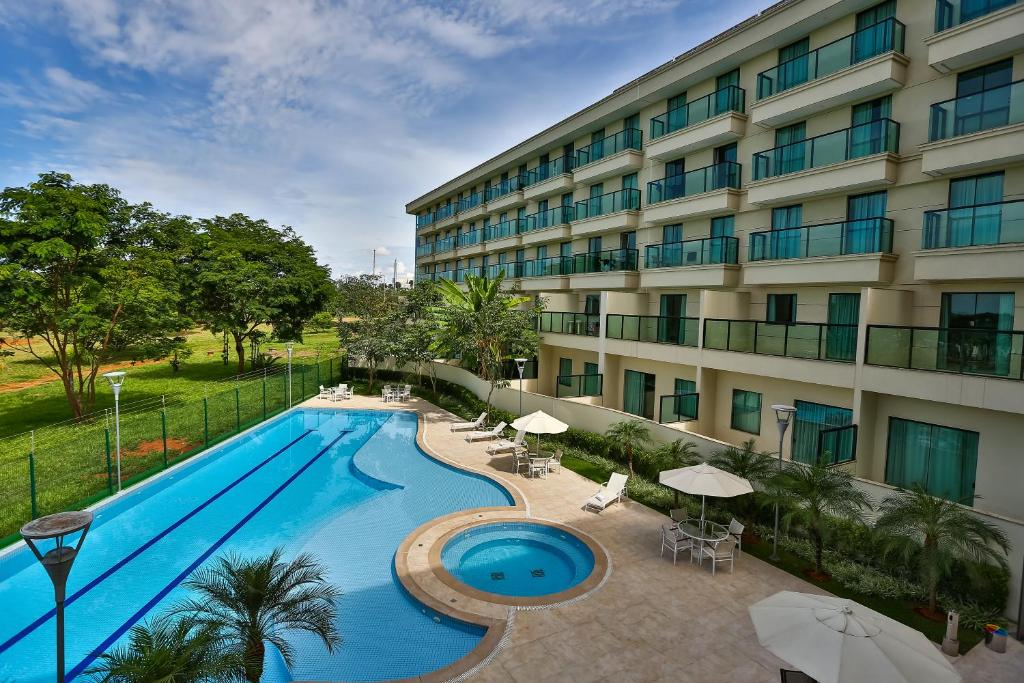 A view of the pool at Quality Hotel & Suites Brasília or nearby