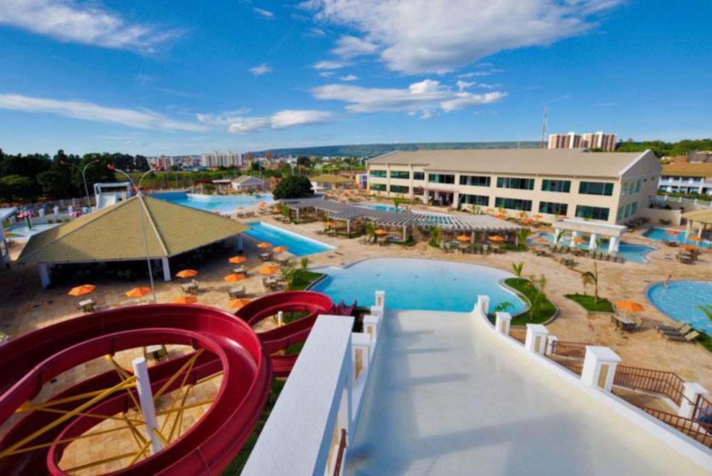 A view of the pool at Apartamento Caldas Novas or nearby