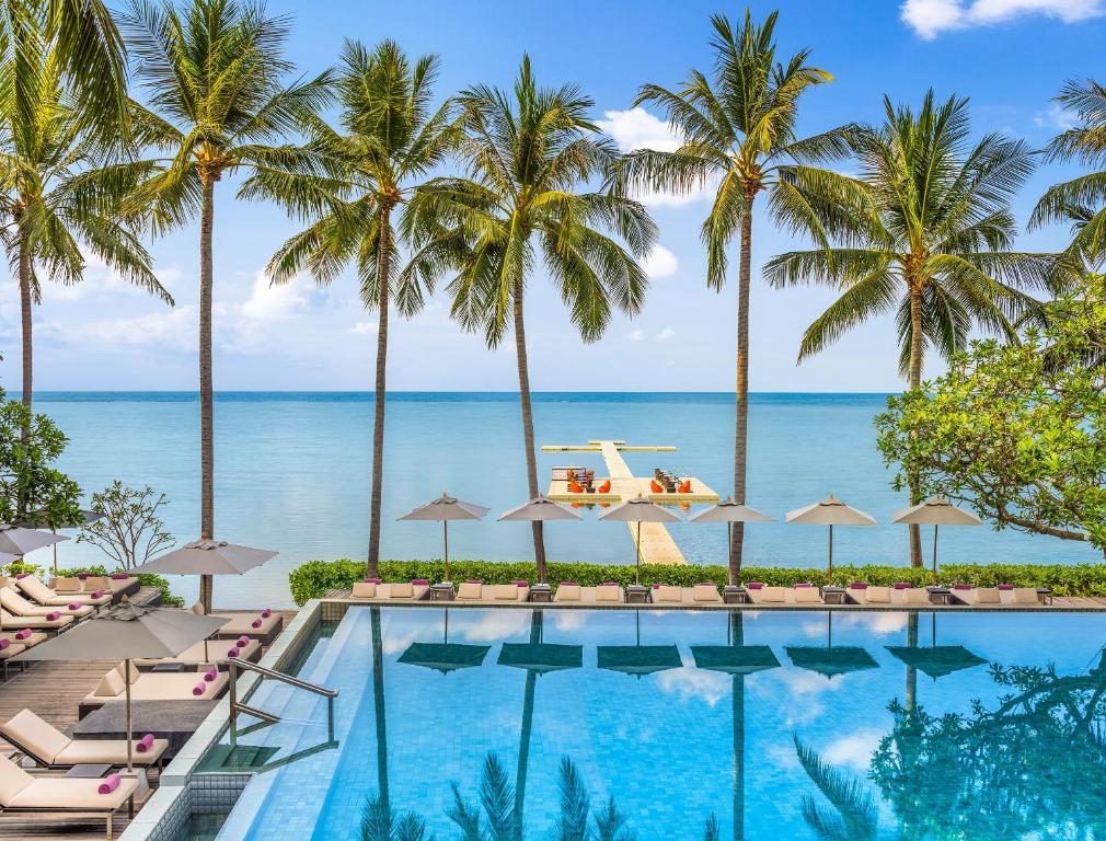 Ein Blick auf den Pool von der Unterkunft Le Meridien Koh Samui Resort & Spa oder aus der Nähe