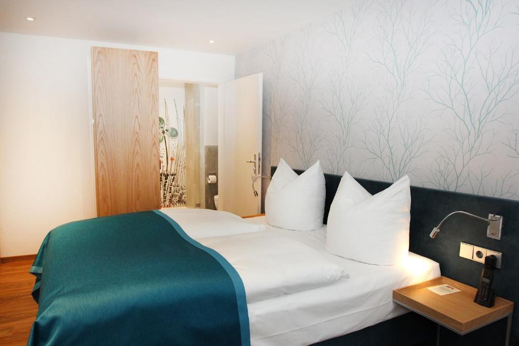 Hotel Am Schloss Superior Deutschland Tubingen Booking Com