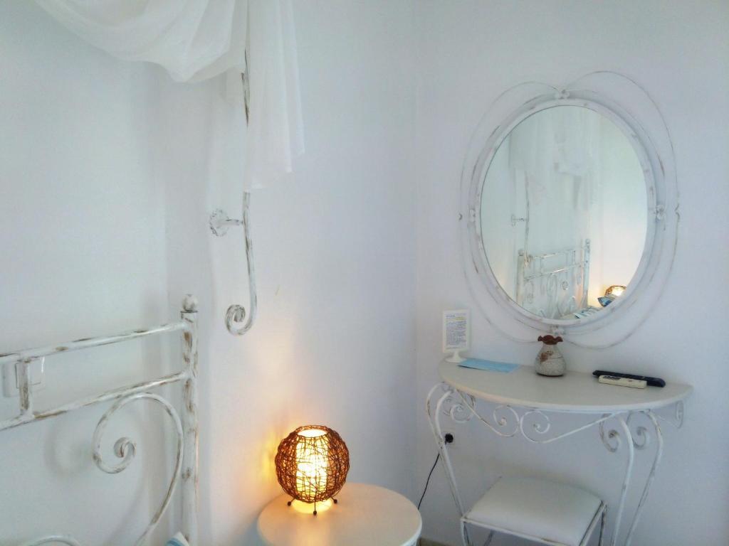 A bathroom at Villa Le Grand Bleu