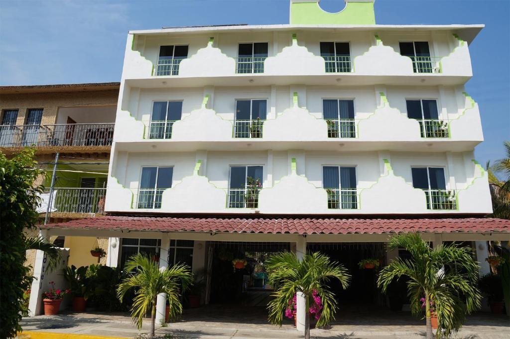 Hotel Arenas del Pacifico, Santa Cruz Huatulco, Mexico ...