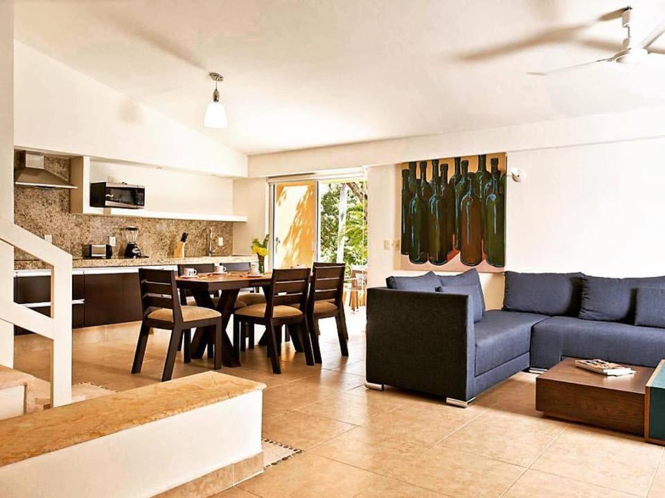 Ein Sitzbereich in der Unterkunft Villas Ixzi Plus