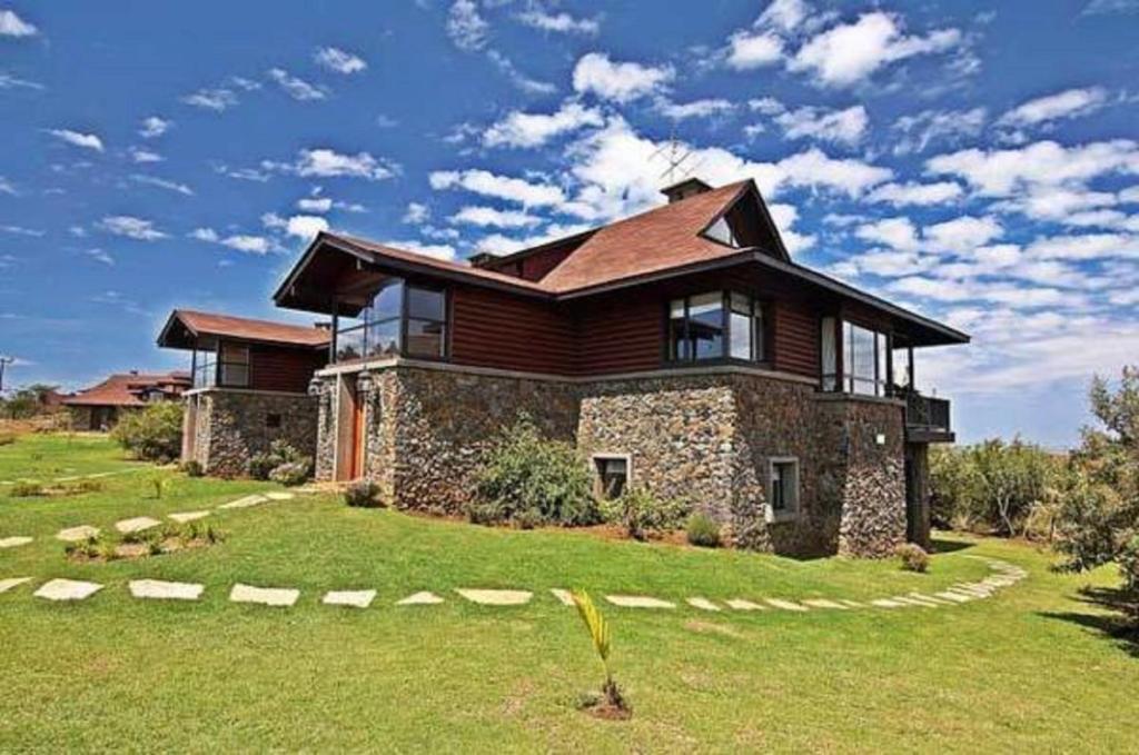 Great Rift Valley Lodge, Naivasha - Kichaka Tours and Travel Kenya