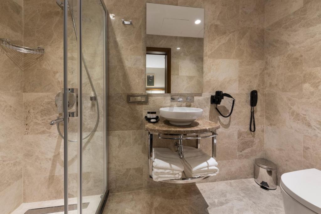 Ванная комната в Endless Art Hotel-Special Category