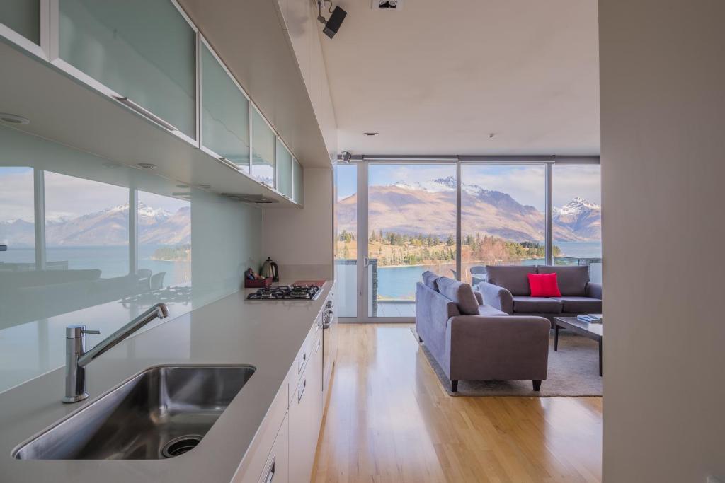 Pounamu Apartments