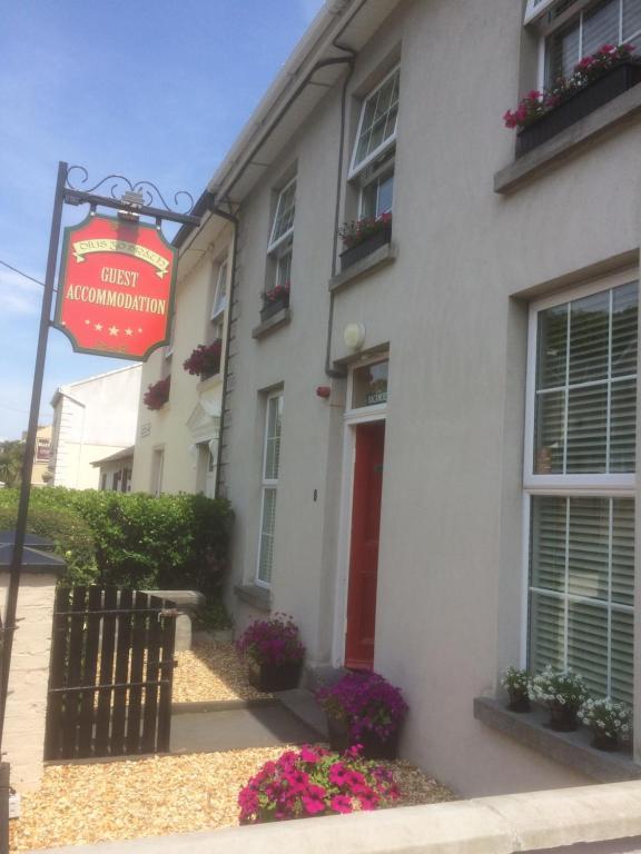OSheas Hotel, Tramore, Ireland - uselesspenguin.co.uk