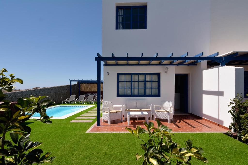 Villa Lobos, Playa Blanca, Spain - Booking.com