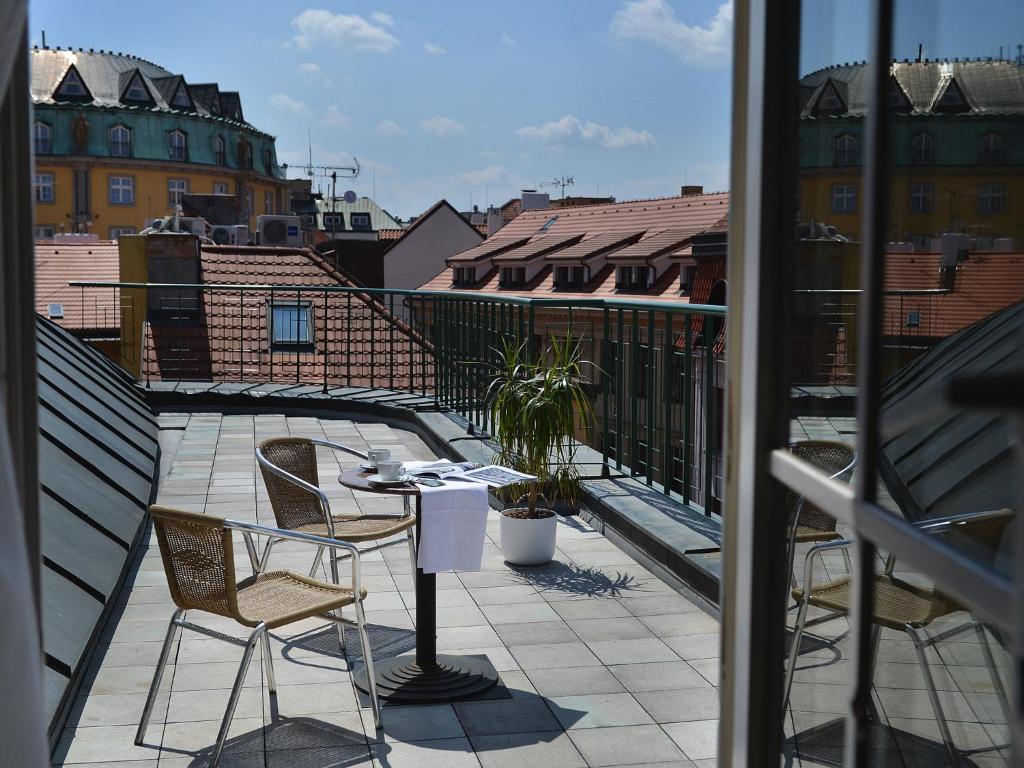 Esprit Art Deco Com ea hotel royal esprit, prague, czech republic - booking