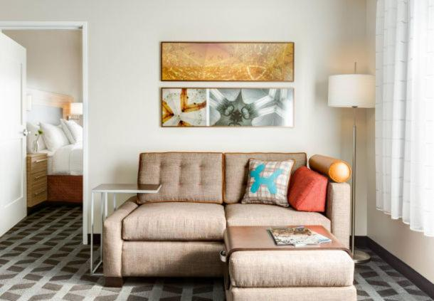 A seating area at Fairfield Inn & Suites by Marriott Detroit Lakes