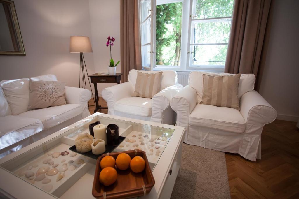 """Ein Sitzbereich in der Unterkunft Business Appartements """"Villa Münz"""""""