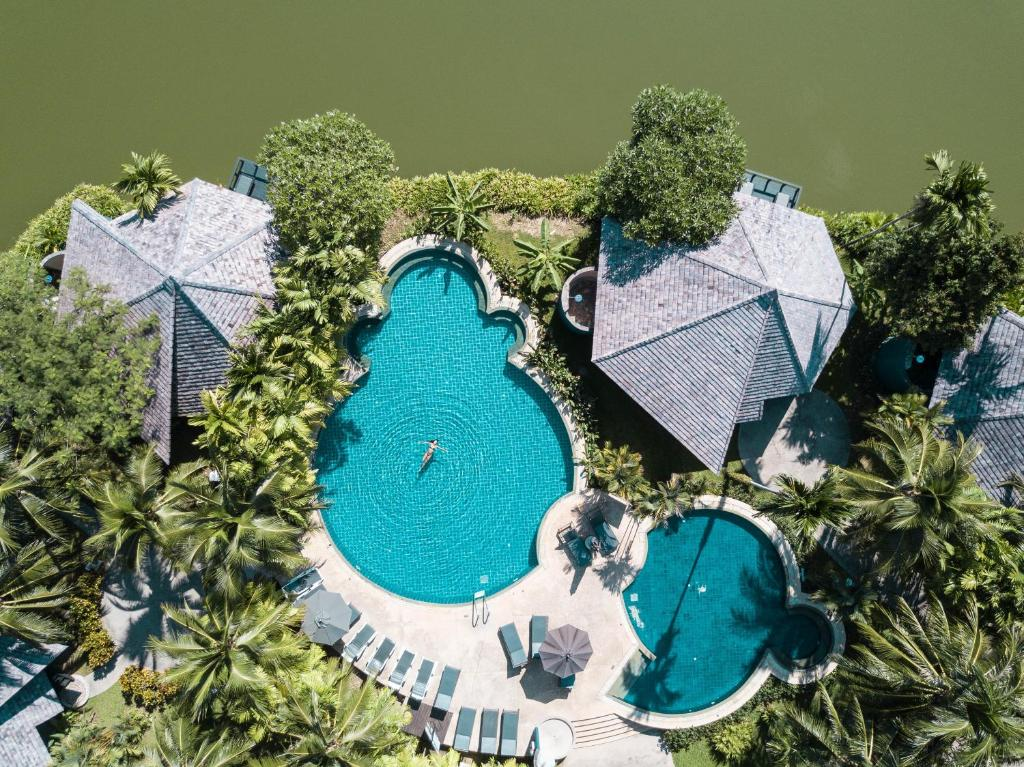 En udsigt til poolen hos Peace Laguna Resort & Spa eller i nærheden