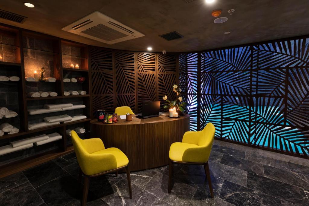 Лобби или стойка регистрации в Endless Art Hotel-Special Category