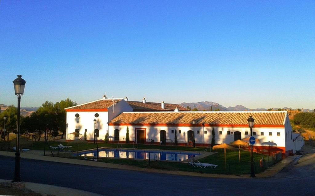 Edifici on està situat el càmping