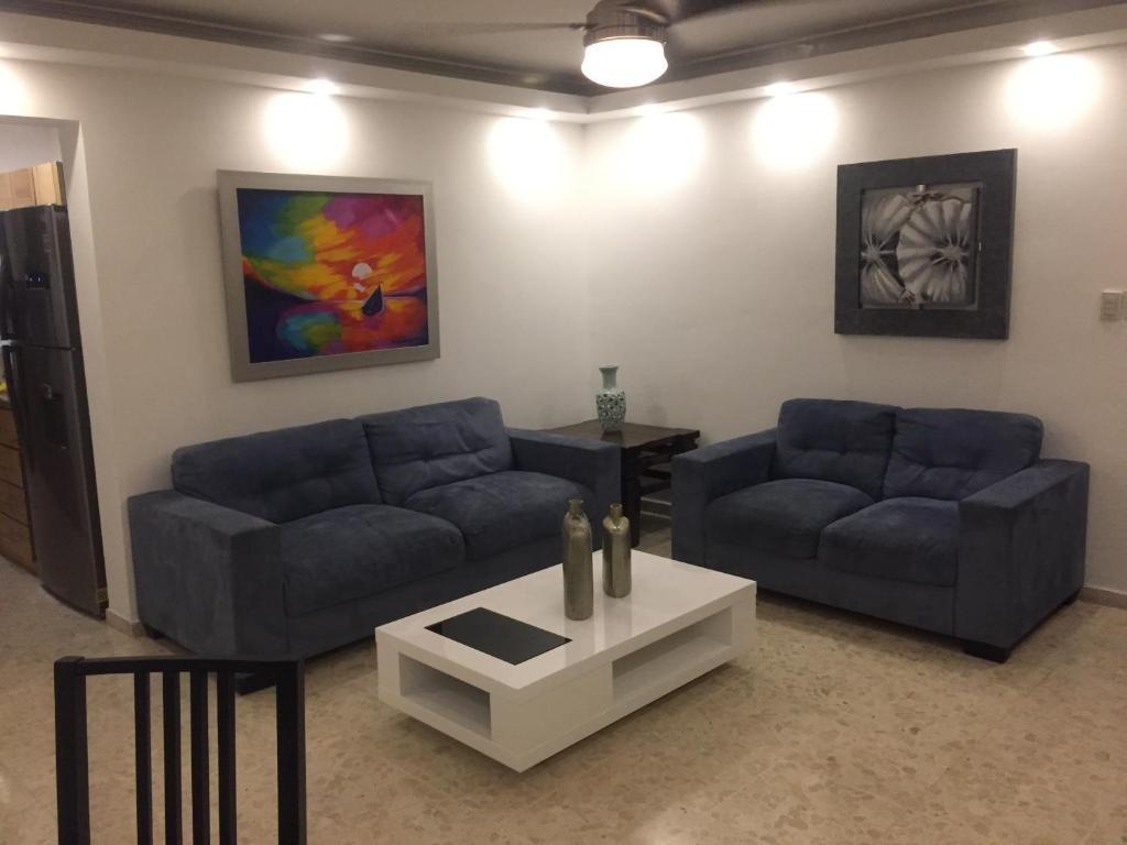 A seating area at Apt 1-C Las Dallias II, Bella Vista