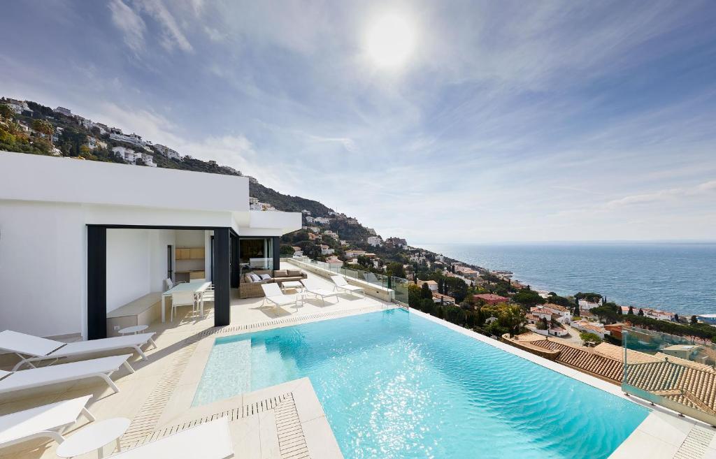 Villa El Peñal By Terraza Roses Spain Booking Com