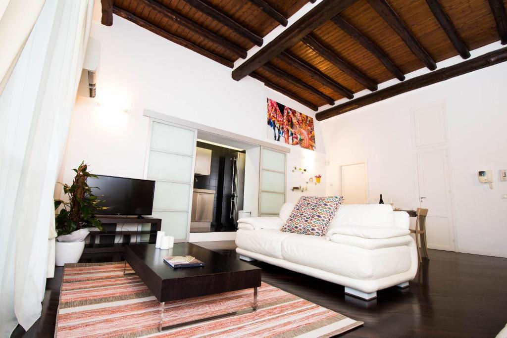 Divani In Pelle A Palermo.Apartment Lo Spasimo Dentro Casa Palermo Italy Booking Com
