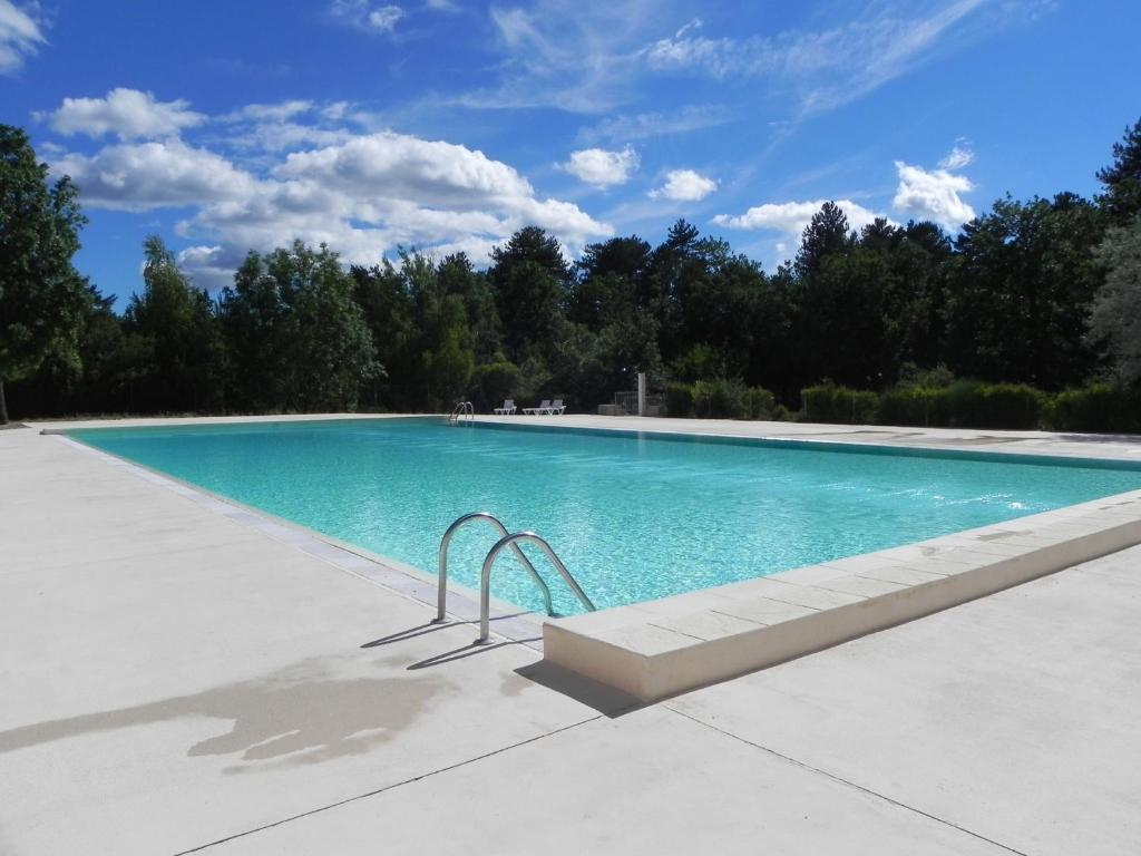 The swimming pool at or near camping du defends