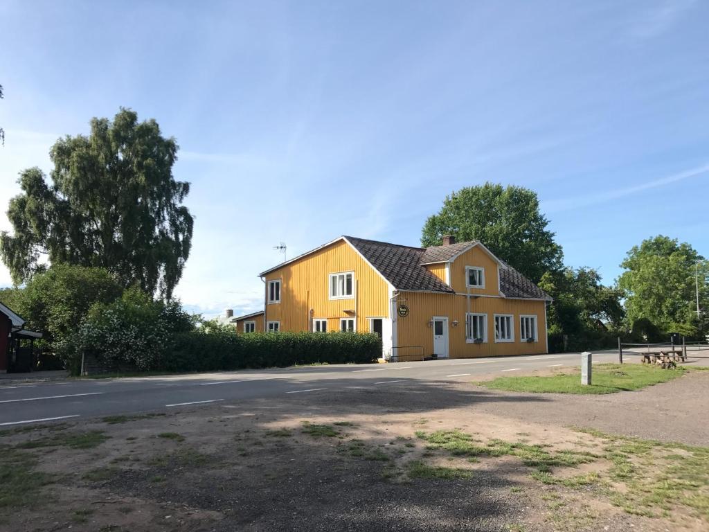 Robin Jonsson, Spjutterumsvgen 102, Frjestaden | unam.net